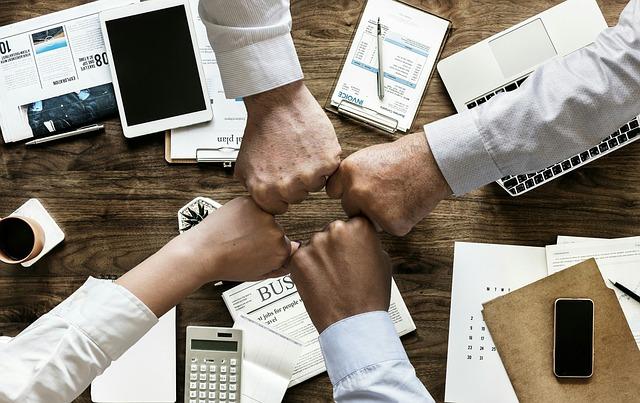 Findy-osuuskunta yksityisen ja julkisen sektorin teknologiayhteistyön työkaluksi