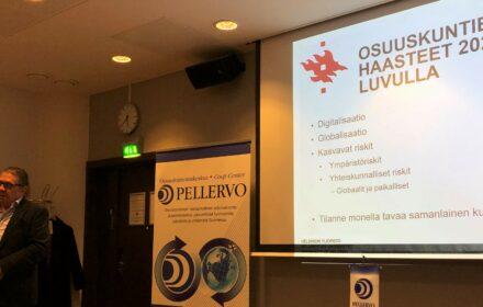 Professori Jukka Mähönen herätti ajattelemaan uusia näkökulmia osuustoiminnan roolista kestävän kehityksen haasteiden asettamassa paineessa.