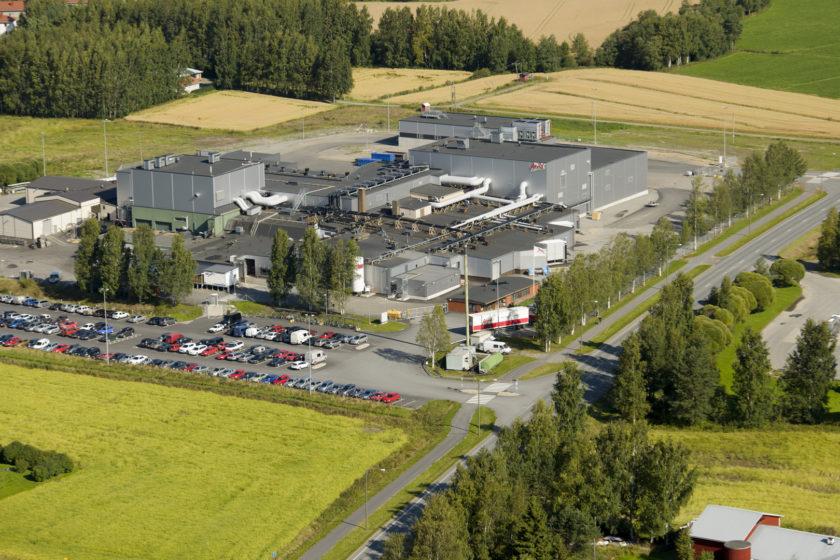 Kuvassa Atria Kauhajoen tuotantolaitos