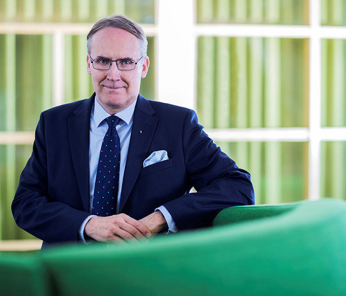 Hieno avaus osuustoiminnan yliopistoyhteistyössä: Taavi Heikkilä aloittaa Aallon markkinoinnin laitoksella